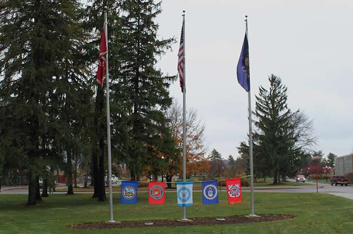 Veterans Honored at Wreath-Laying Ceremony