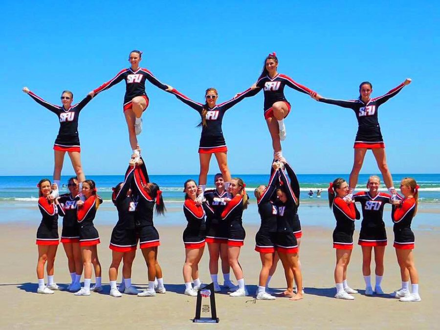 Flash Cheerleading Squad Places Seventh at National Event