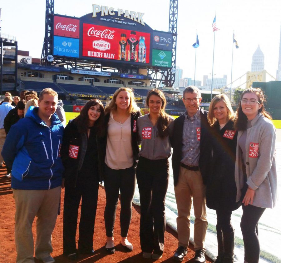 Communications+students+Andrew+Nash%2C+Anna+Baughman%2C+Haley+Thomas%2C+Marina+Misitano+and+Olivia+Ford+and+Drs.+Pat+Farabaugh+and+Kelly+Rhodes+enjoy+PNC+field.