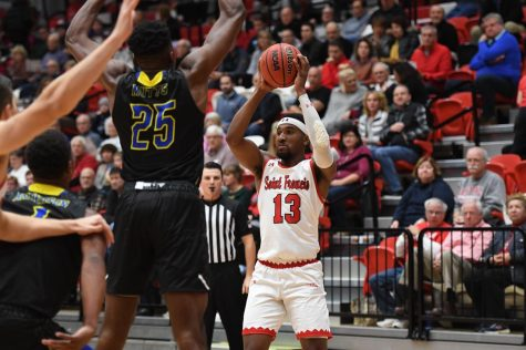 Delaware Defeats Men's Basketball