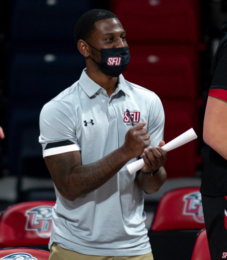 Men's Basketball Assistant Coach Finds Success in Fashion
