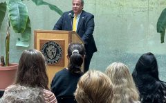 Former Presidential Candidate Visits Campus