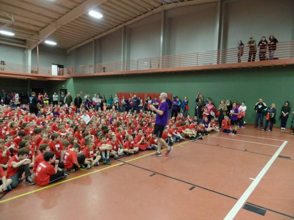 Student-Athletes+volunteer+time+for+Sports+4+Kids+Day