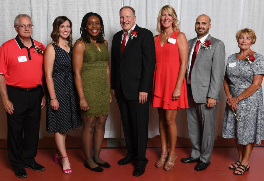 Eight New Members, One Team Inducted Into Athletics Hall of Fame